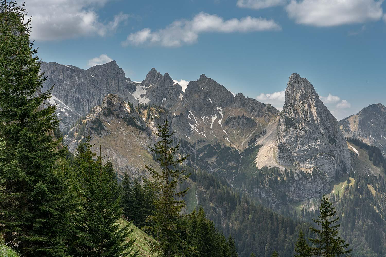 schroffe Felsen im Ammergebirge