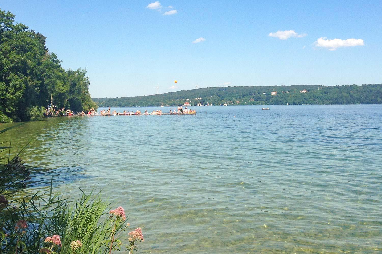 selbst an vollen Wochenenden, bleibt genug Platz zum schwimmen