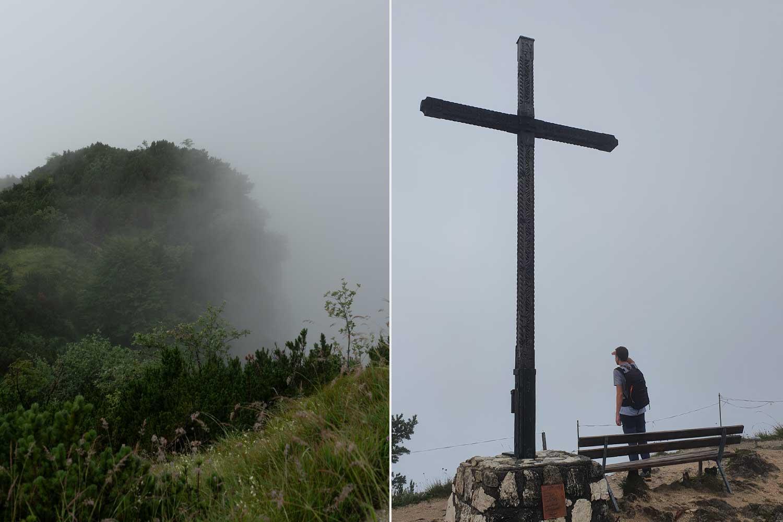 nichts als Nebel am Gipfelkreuz