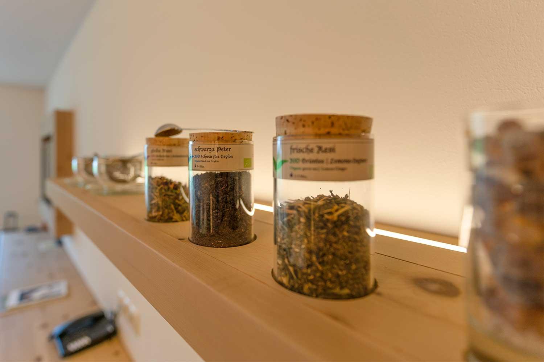 private Bio-Tee Bar für eine kleine Auszeit im Zimmer