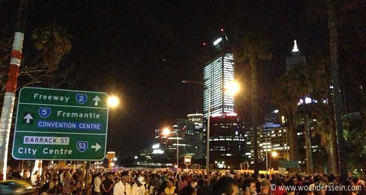 perth-australia-day-crowd