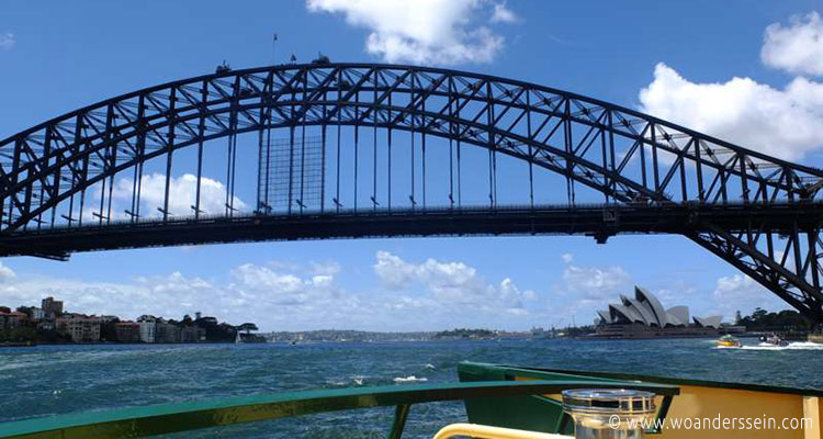 sydney-ferries-opera-house-view