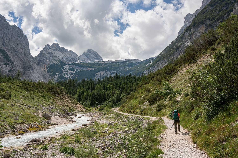 bestens ausgebauter Wanderweg entlang der Partnach