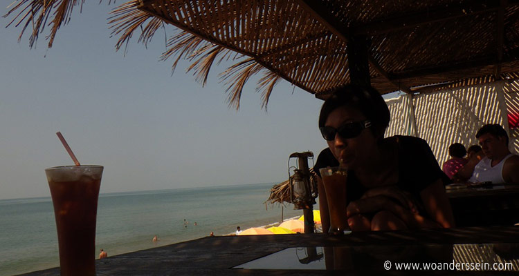 anjuna-beach-elephant-art-cafe-chi
