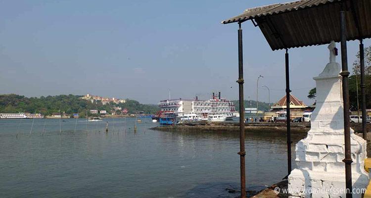 panaji-ferry-mandovi-river