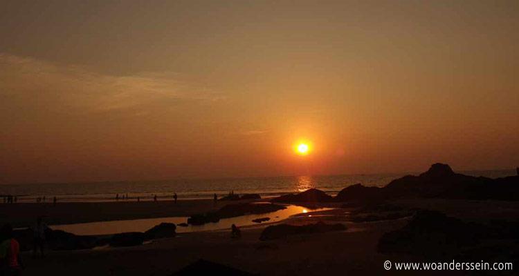 vagator-beach-sonnenuntergang