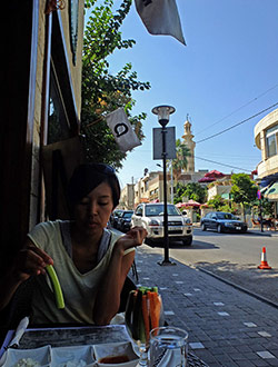 amman-rainbowstreet-q-restaurant2