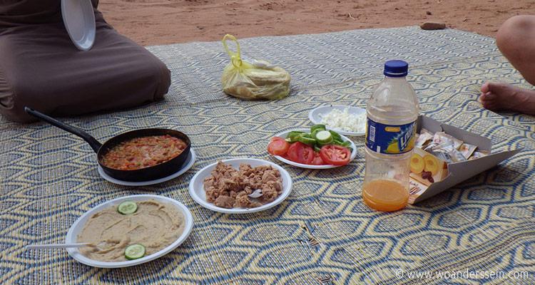 wadirum-jeep-tour-lunch