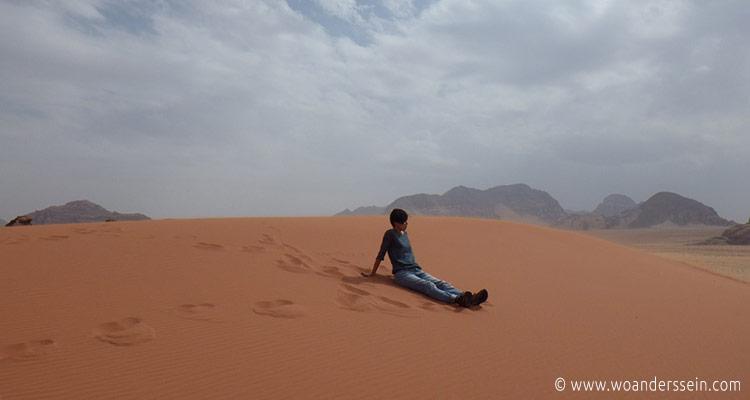 wadirum-trekking-desert2
