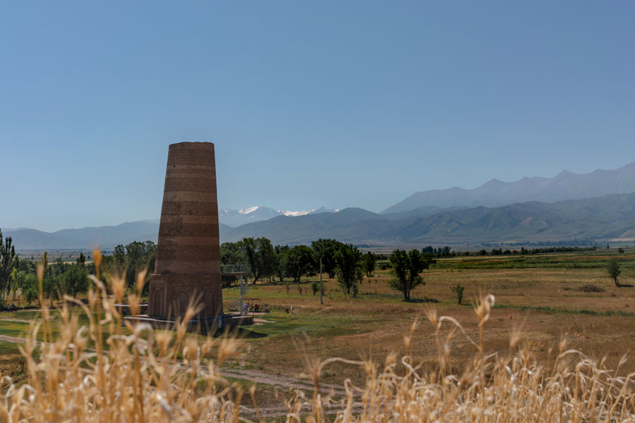 キルギス ブラナタワー