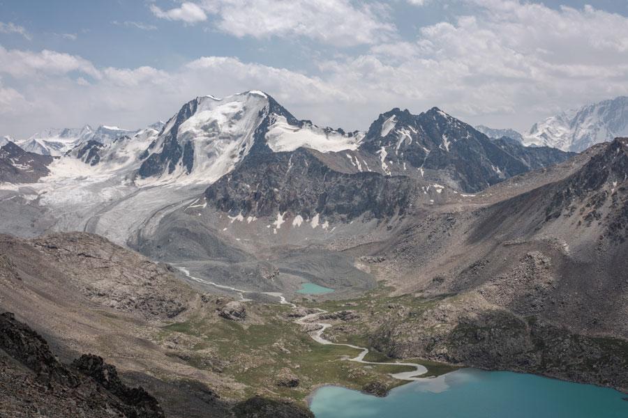 キルギス アラコル湖