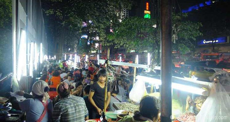 bangkok-garkuechen-abends