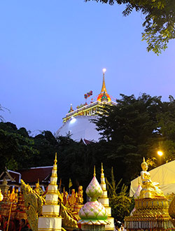 bangkok-golden-mount-parade