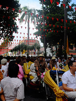 bangkok-golden-mount-parade10