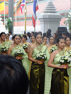bangkok-golden-mount-parade11
