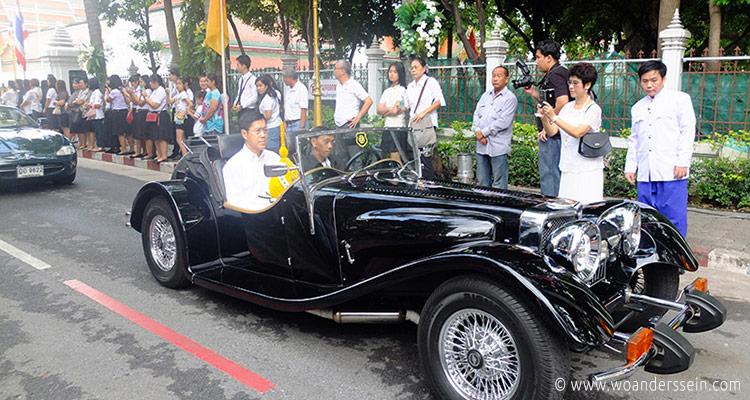 bangkok-golden-mount-parade12