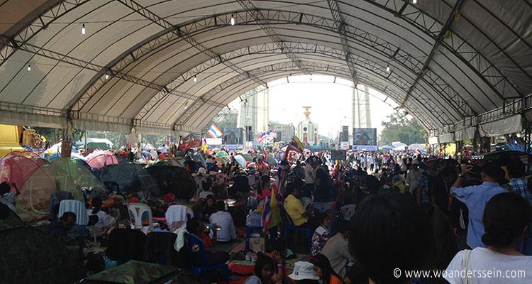 bangkok-neujahr2013-demo2