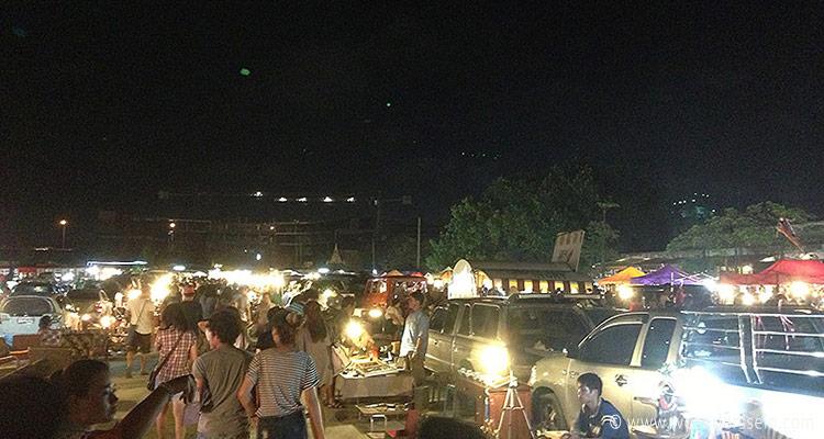 bangkok-rod-fai-night-market1