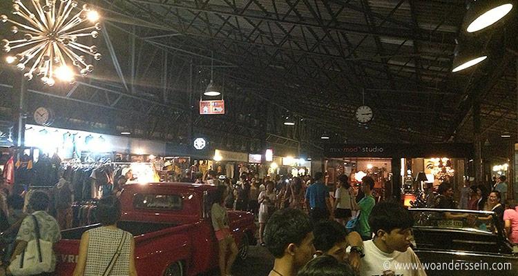 bangkok-rod-fai-night-market18