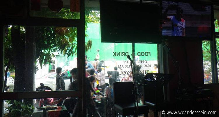 bangkok-songkran-khaosan-3