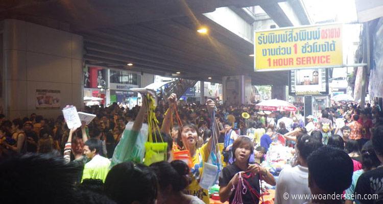bangkok-songkran-silom-area3