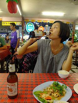 chiang-mai-night-bazaar-dinner-chi